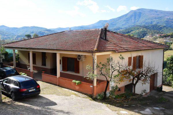 Omignano Scalo - Casa Singola con Terreno