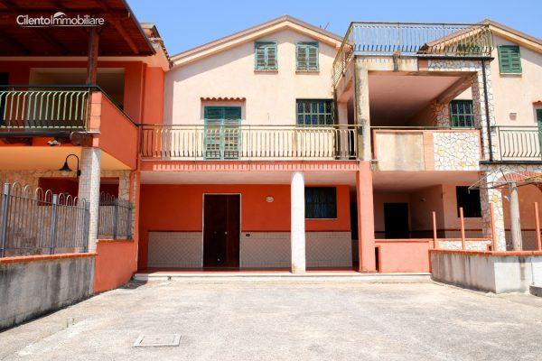 Casal Velino - Villa a Schiera